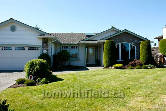 qualicum beach parksville nanoose bay single family